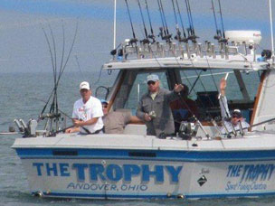Charter Fishing - 01boat01.jpg